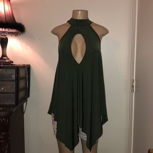 Topia | Open Front Keyhole Back Tunic